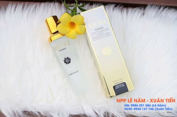 Review nuoc hoa hong toner Riori