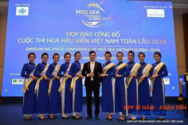 Riori va Hoa hau bien viet nam toan cau 2018