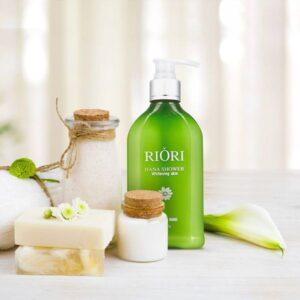 Sữa tắm trắng Riori Hana Shower Whitening Skin