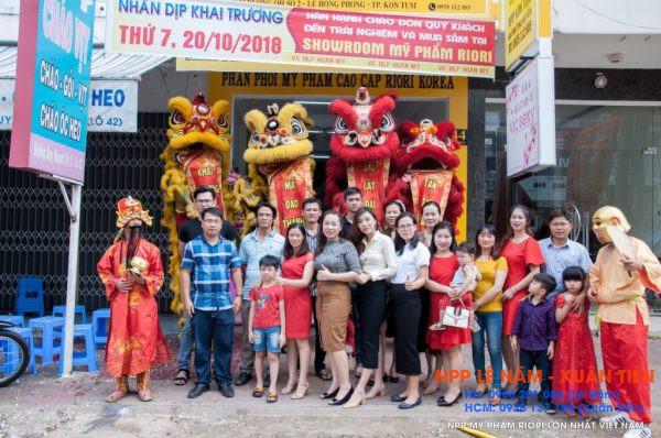 Khai truong Showroom my pham Riori Kon Tum 12